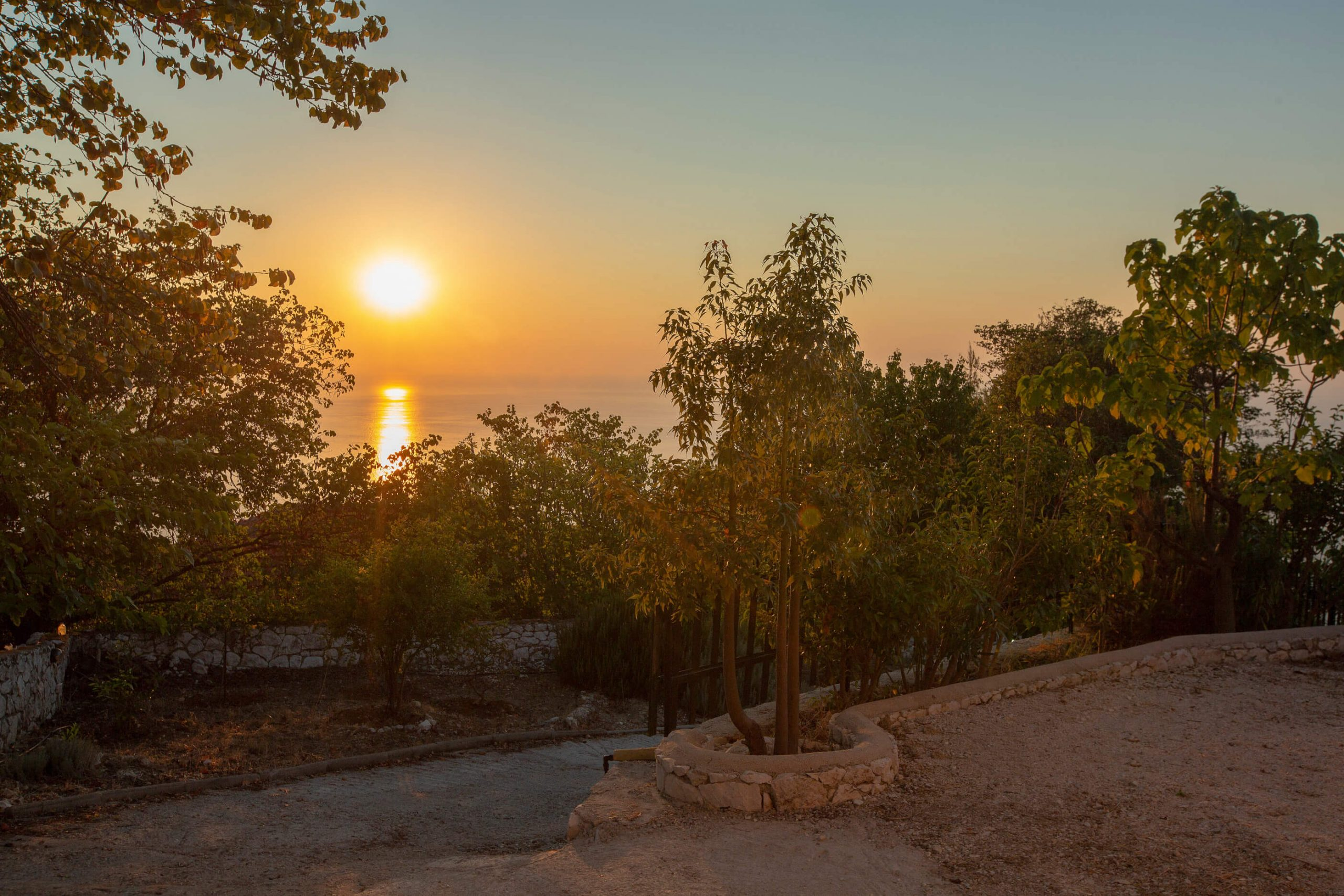 Ηλιοβασίλεμα στη Natura Villas Λευκάδα